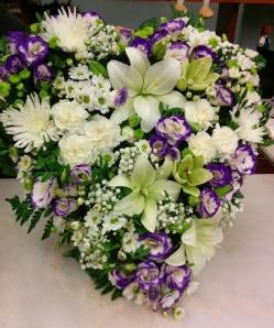 Centro corazon flor variada