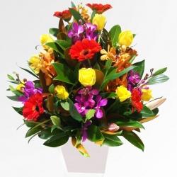 Centro rosas con flor variada