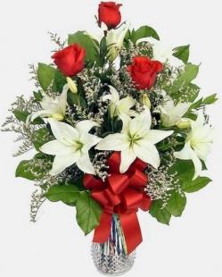 Ramo lilium y rosas