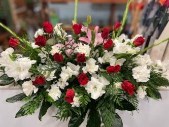 Centro de rosas frescas funeral