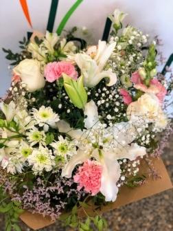 Ramo de flor variada fresca  funeral