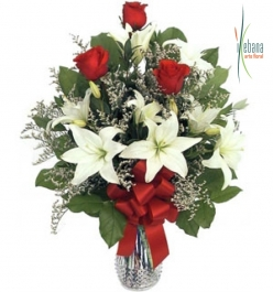 Ramo rosas y lilium