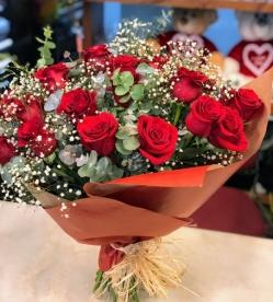 Ramo 12 rosas frescas funeral